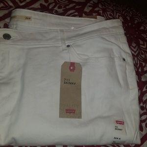 Levi's white skinny jeans sz 26w NWT